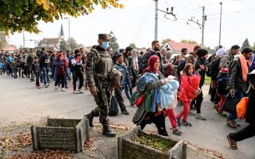 Slovenska_vojska_tudi_med_vikendom_v_velikem_številu_pri_podpori_Policiji_01_B
