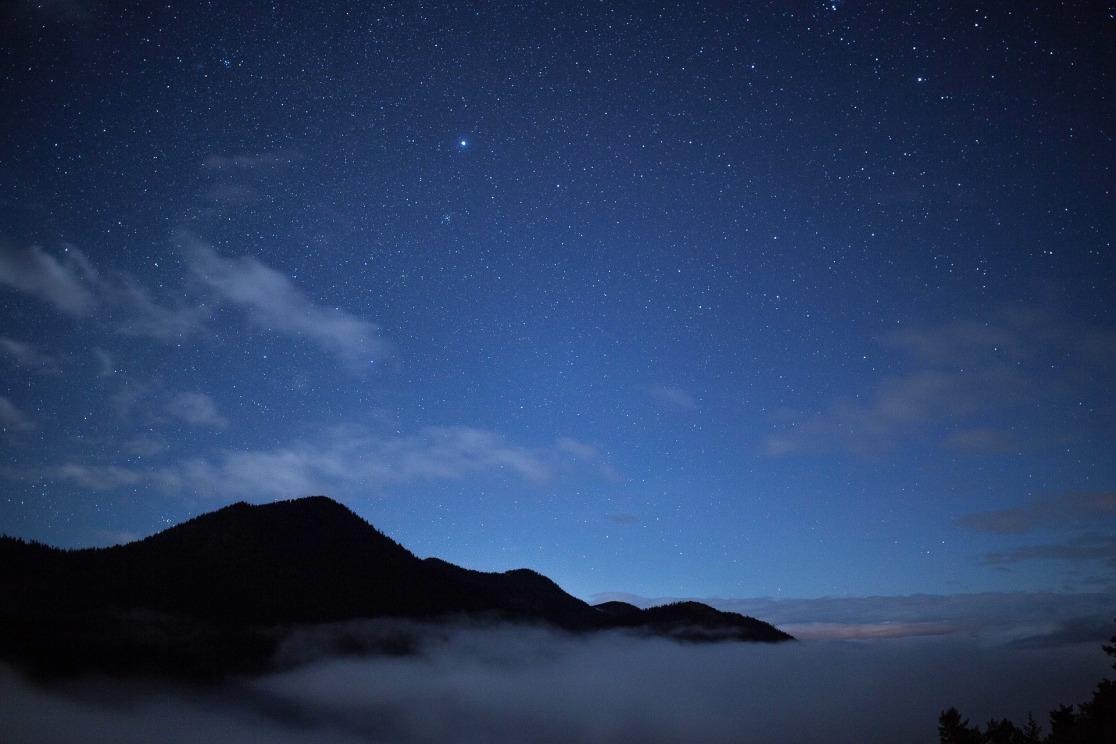 sky-1246033_1920.jpg